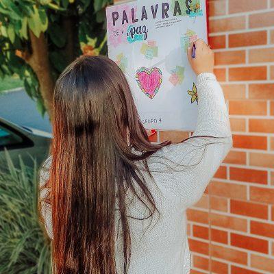 AL29 Alunos fazem cartazes com mensagens positivas (2)
