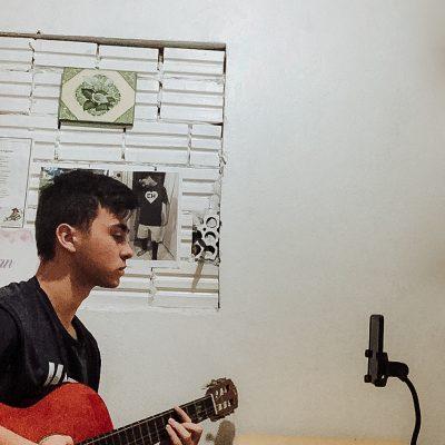 TURMA AL07 - jovens gravam vídeos musicais para animar o dia das pessoas que estão em quarentena