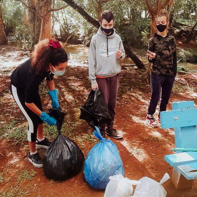 TURMA AL26 - Coleta de lixo em espaço público