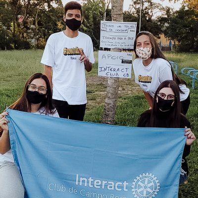 TURMA AL26 - alunos distribuem cartazes de conscientização sobre inclusão social pela cidade