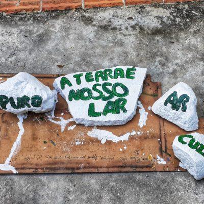TURMA AL30 - alunos escrevem mensagens positivas em arvores (2)